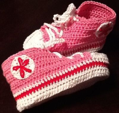 Crochet Baby Booties Converse All Star / baby time ...