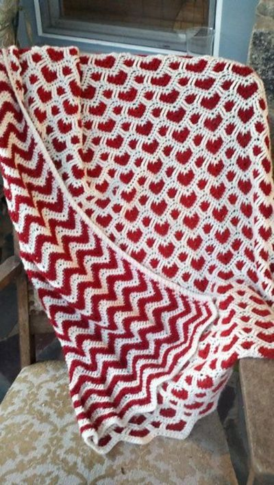 Crochet Afghan Patterns With Hearts : Ravelry: sheraynes Hearts + Waves Afghan. / crochet ideas ...