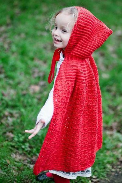 Ravelry: Little Red Riding Cape pattern by Liz Mouter ...