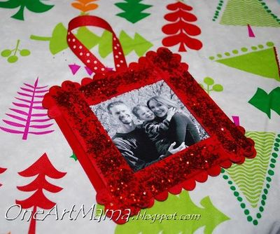 Sparkly craft stick frame ornament / christmas xmas ideas - Juxtapost