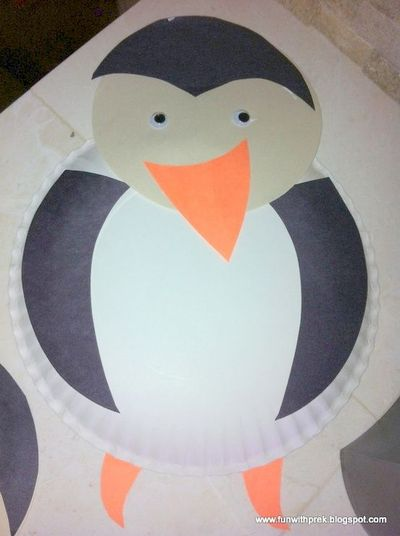 Darling preschool penguin craft made with paper plates and construction paper. Fun activity for Arctic & Darling preschool penguin craft made with paper plates and c ...