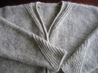 beautiful details: Diagonal Rib Sweater. Lopi by lv2knit, via Flickr, Ravelry.