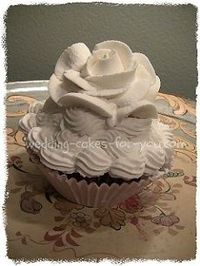 cupcake with stablized whipped cream piping