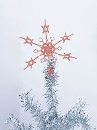 Learn to Stiffen Crochet Snowflakes - How to Crochet - Crochet Me