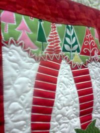 Crazy Old Ladies Quilts: Feeling Christmasy - like the little tiny snowflake details