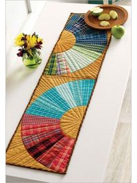 Double fan table runner.