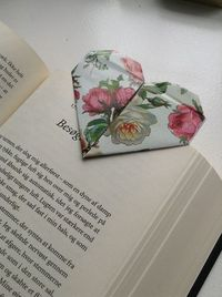 How to Make Cute Bookmark Out of Paper