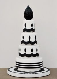 simple, yet very elegant black and white cake from Art and Appetite