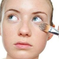 Simple Makeup Tips For Under Eye Wrinkles - How To Hide Under Eye Wrinkles With Makeup | GilsCosmo.com - Shopping made easy!