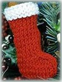 Isn't this the cutest little knitted Christmas stocking decoration?