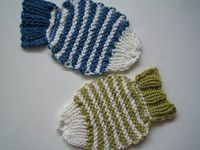 Cute and easy :) The pattern is Wishy Washy Fishy Tawashi from Ravelry.
