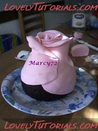 Building a Rose Cake: http://www.lovelytutorials.com/forum/showthread.php?t=147