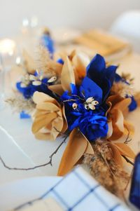 paper flowers via The Sweetest Occasion