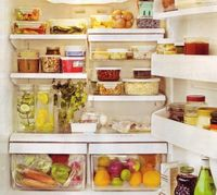 i need more pyrex so my fridge can look like this!