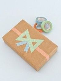 Washi tape bow gift wrap