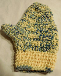 Oven Mitt - White and Blue - Crochet