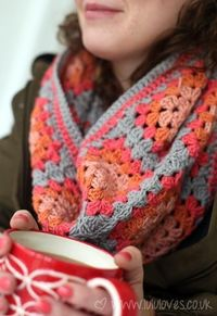 Crocheting: Crochet Granny Square Snood/Scarf