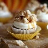 Cinnamon Streusel Pumpkin Cupcakes with White Chocolate Cream Cheese Frosting