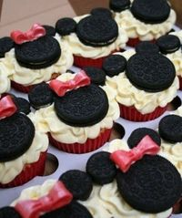 mickey & minnie cupcakes cute for a kids bday party