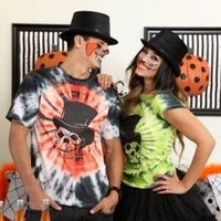 Make these haunted skull tie dye shirts for your Halloween party! A great and easy alternative to dressing up!
